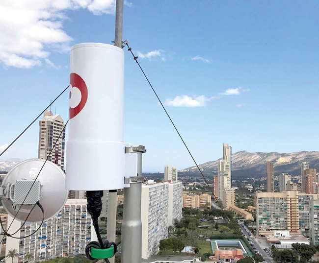 Mimosa A5 access point deployed in aeromax's 5G Fixed wireless network