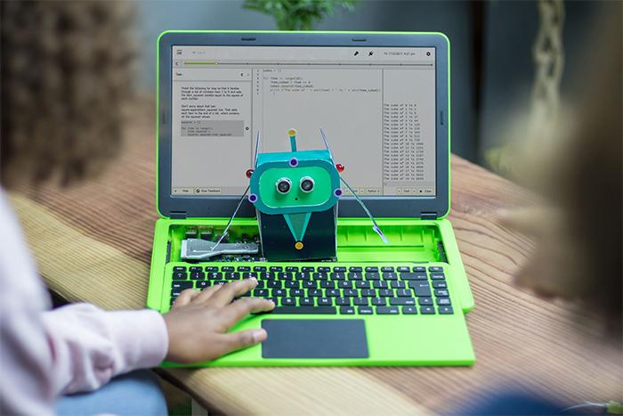 Modular laptop teaches the skills of tomorrow, today