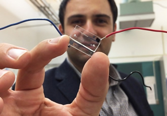Microfluidic chip digitises information on living cells