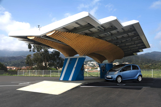 Parasol uses solar panels to charge EVs