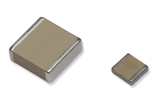 Ceramic capacitors compatible with surface mounting