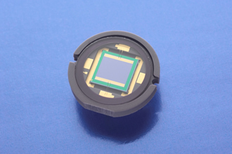 Position sensing detector includes anti-reflective coating