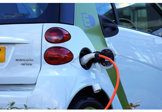 Companies plug in to smart electric vehicle charging