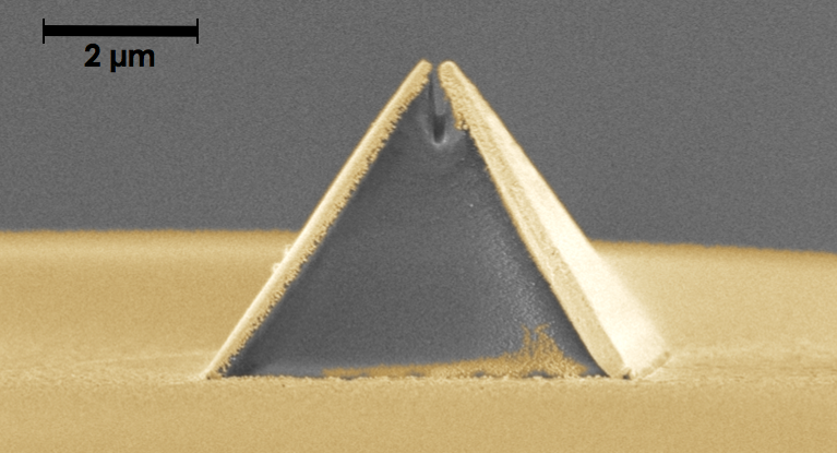 Nanoscale imaging probe printed onto tip of optical fibre