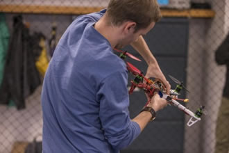 Drones learn how to land on moving targets