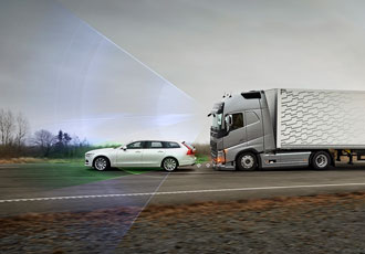 Intelligent safety system reduces risk of traffic accidents