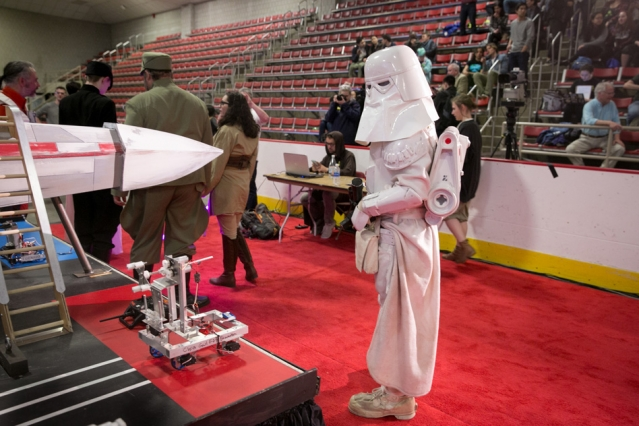 Robot competition feels the power of the Force