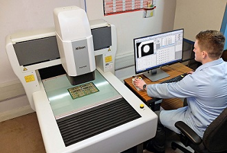 Video measuring ups quality of PCBs