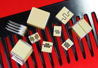 Pulse discharge MLC capacitors for energy storage applications