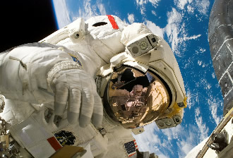Exploration telepresence improves communication in space