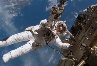 Online course on spaceflight draws upon personal experience