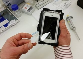 Mobile microscope analyses cancer tumours and infections