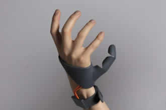 Mechanical thumb offers extended hand abilities