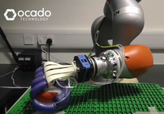 'Soft' robot hand can pick and pack fruit