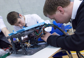 Dundee's Grove Academy triumph at GU ROV competition