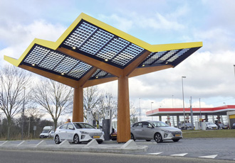 New generation of fast charging stations unveiled in Amsterdam