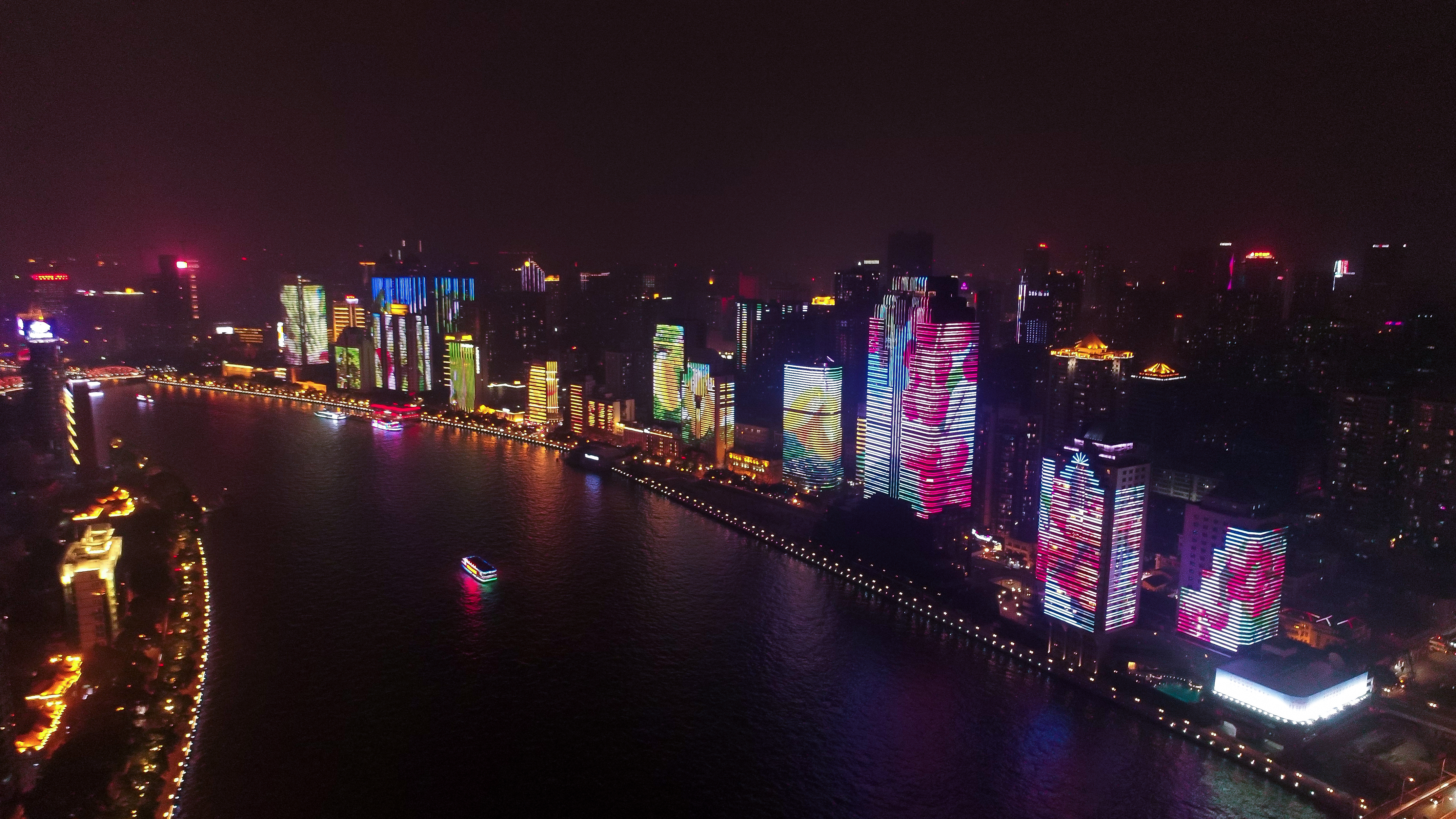 How Guangzhou's sparkle reflects in China's Pearl River