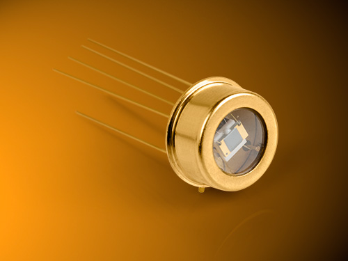 Infrared detectors suitable for fit and forget applications