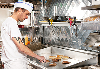 Enclosures help maximise efficiency for fast food kitchen fit-outs