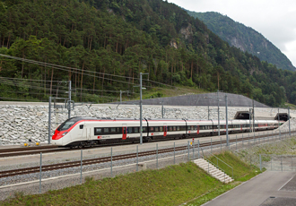 High-speed trains equipped with high-voltage roofline equipment
