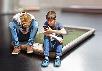 Should children's access to smartphones be restricted?
