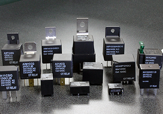 Automotive relays with switching capacity of 80A