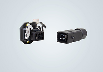 Small, robust and flexible industrial connector