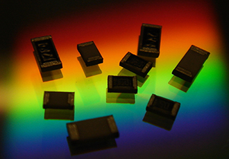 High power pulse withstanding chip resistor improves power rating