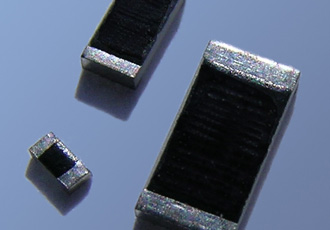 Chip resistors offer high voltage ratings with high precision