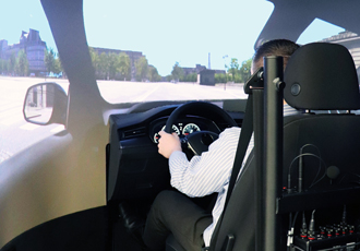 Driving simulator validates latest automotive megatrends