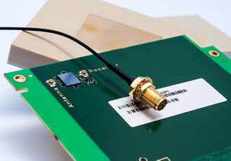 GNSS antenna offers precise positioning up to 1cm
