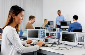 Embedded World: Oscilloscope, power supply added to value instruments range