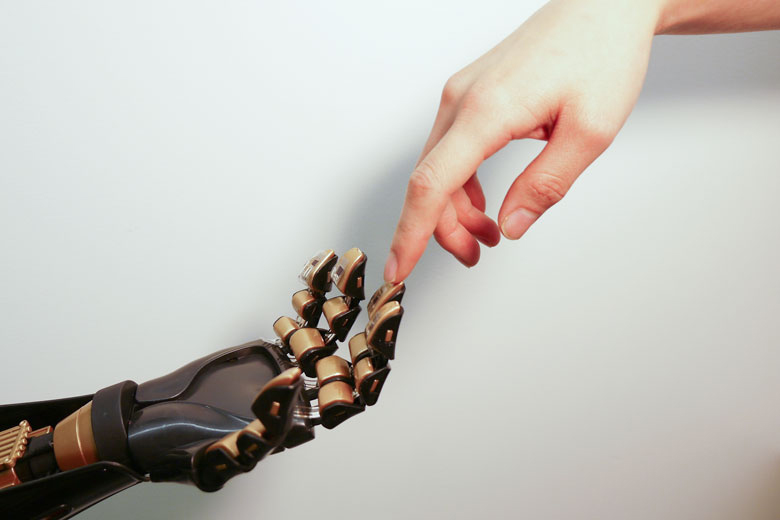 Artificial skin communicates with the brain